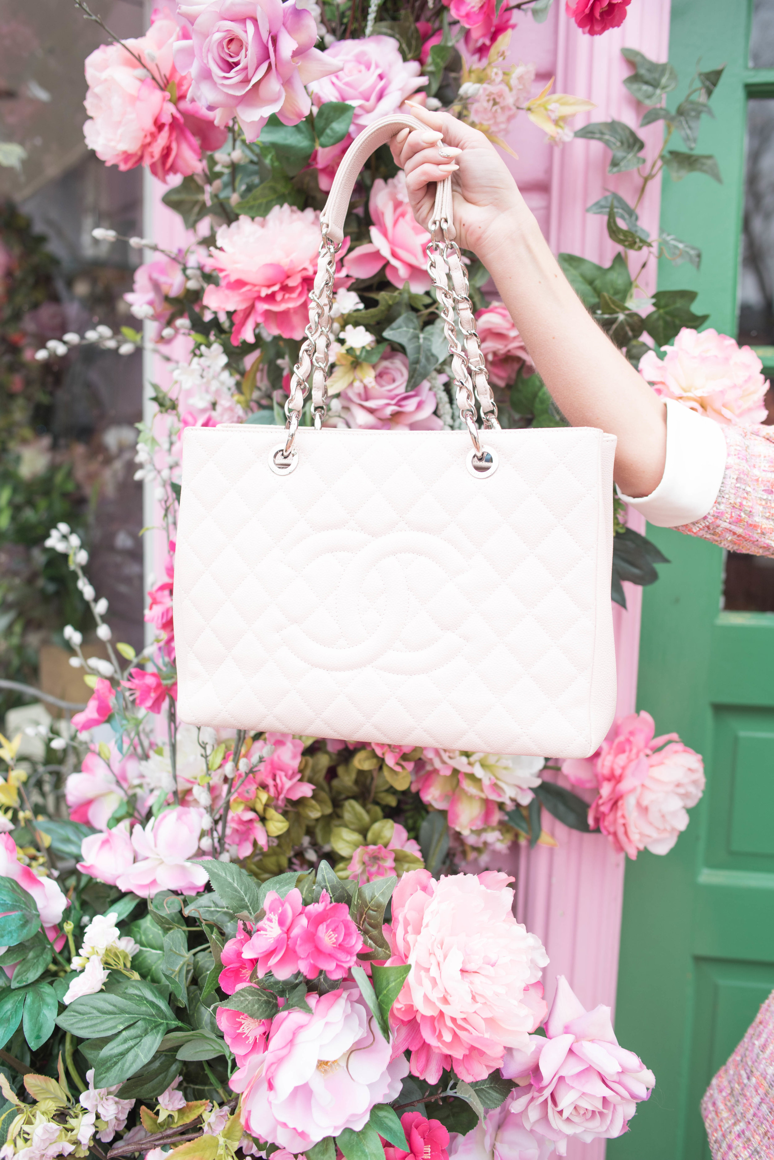 chanel tufted purse