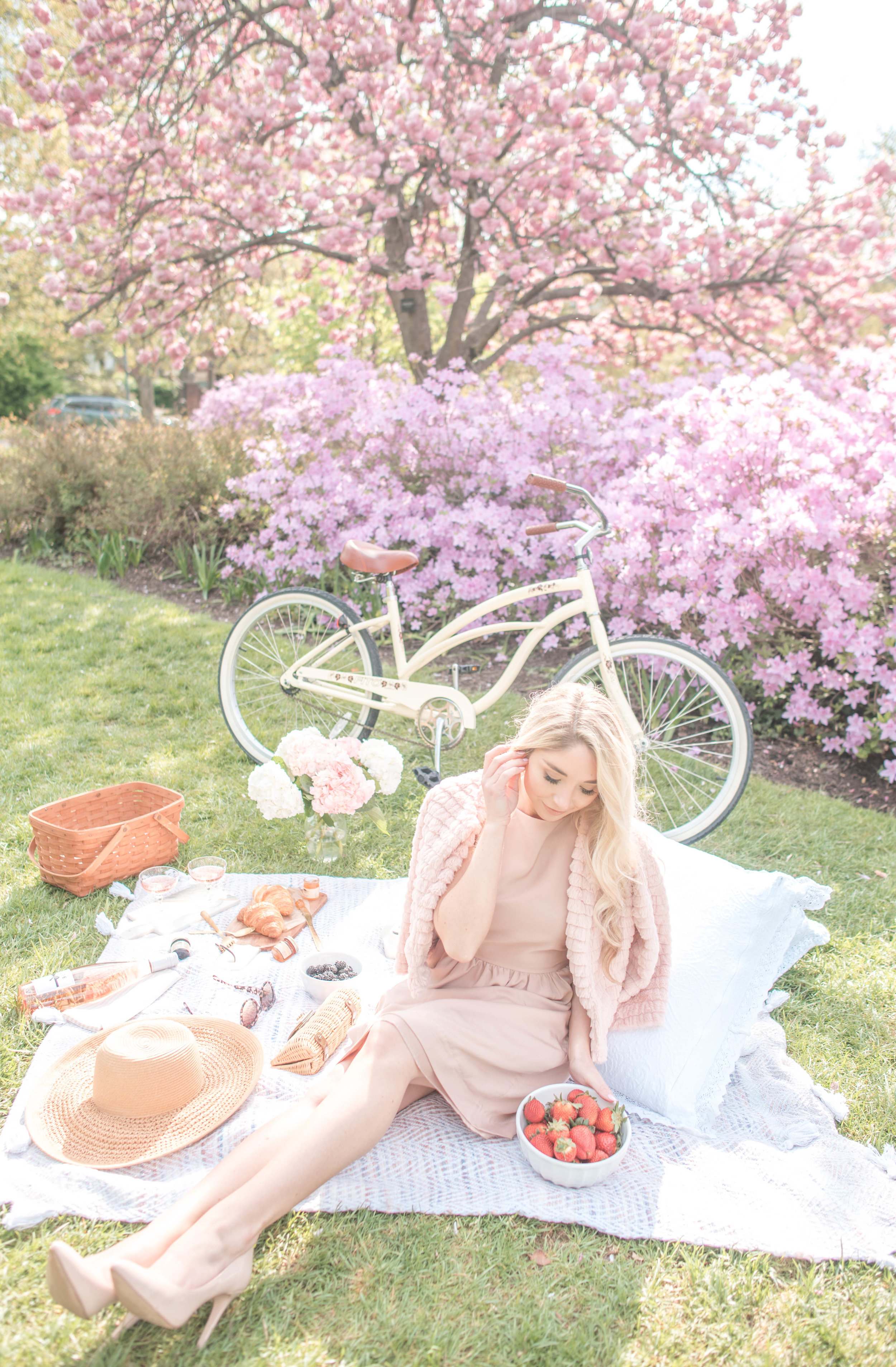 minimalist wardrobe for Spring