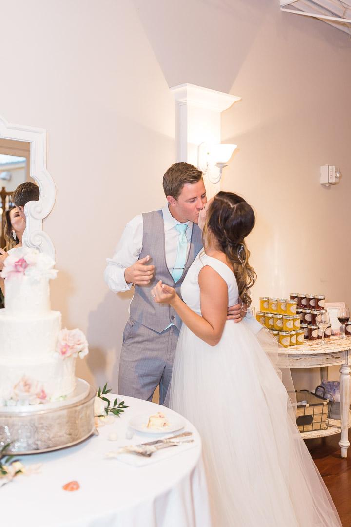 jacksonville wedding cake.jpg