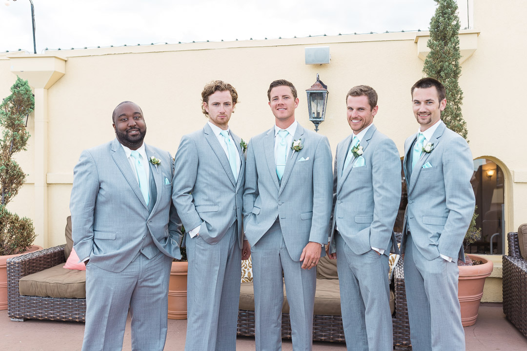 photographer groomsmen.jpg