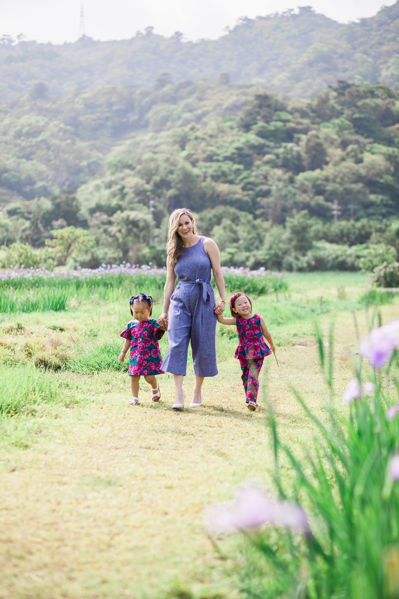 Okinawa iris field mommy and me3.jpg