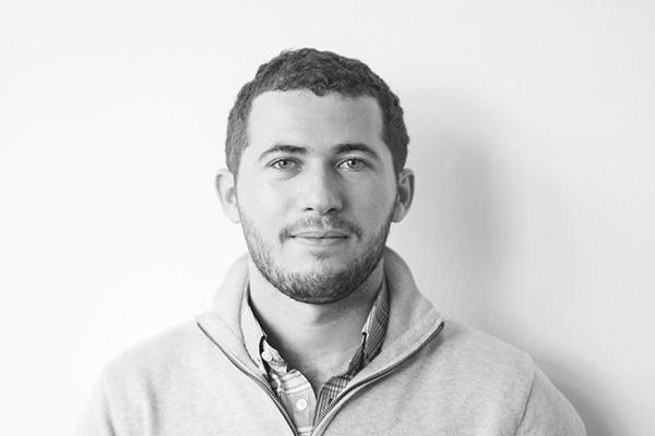 Pierre Simondet - FondateurPierre a débuté ses activités de conseil en communication au cours de ses années étudiantes en concevant sites internet, présentations investisseurs et formations. Il jongle chez Partéo entre gestion de projet, production opérationnelle et business development.