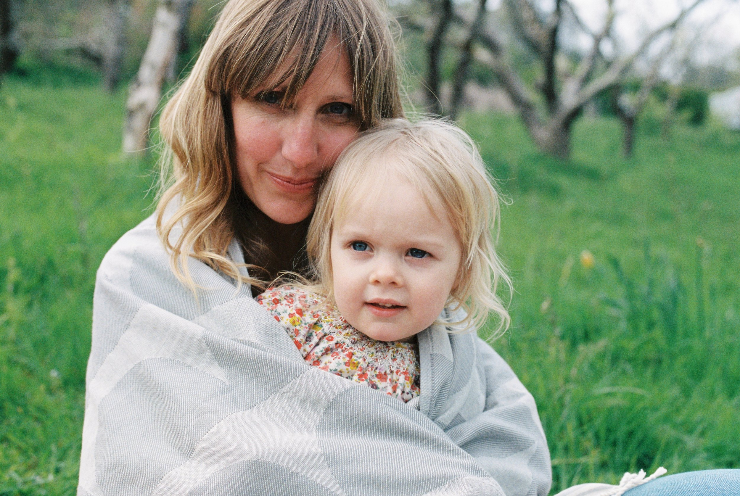 london_surrey_guildford_family_photographer_natural_light_emilywphotography.29.jpg