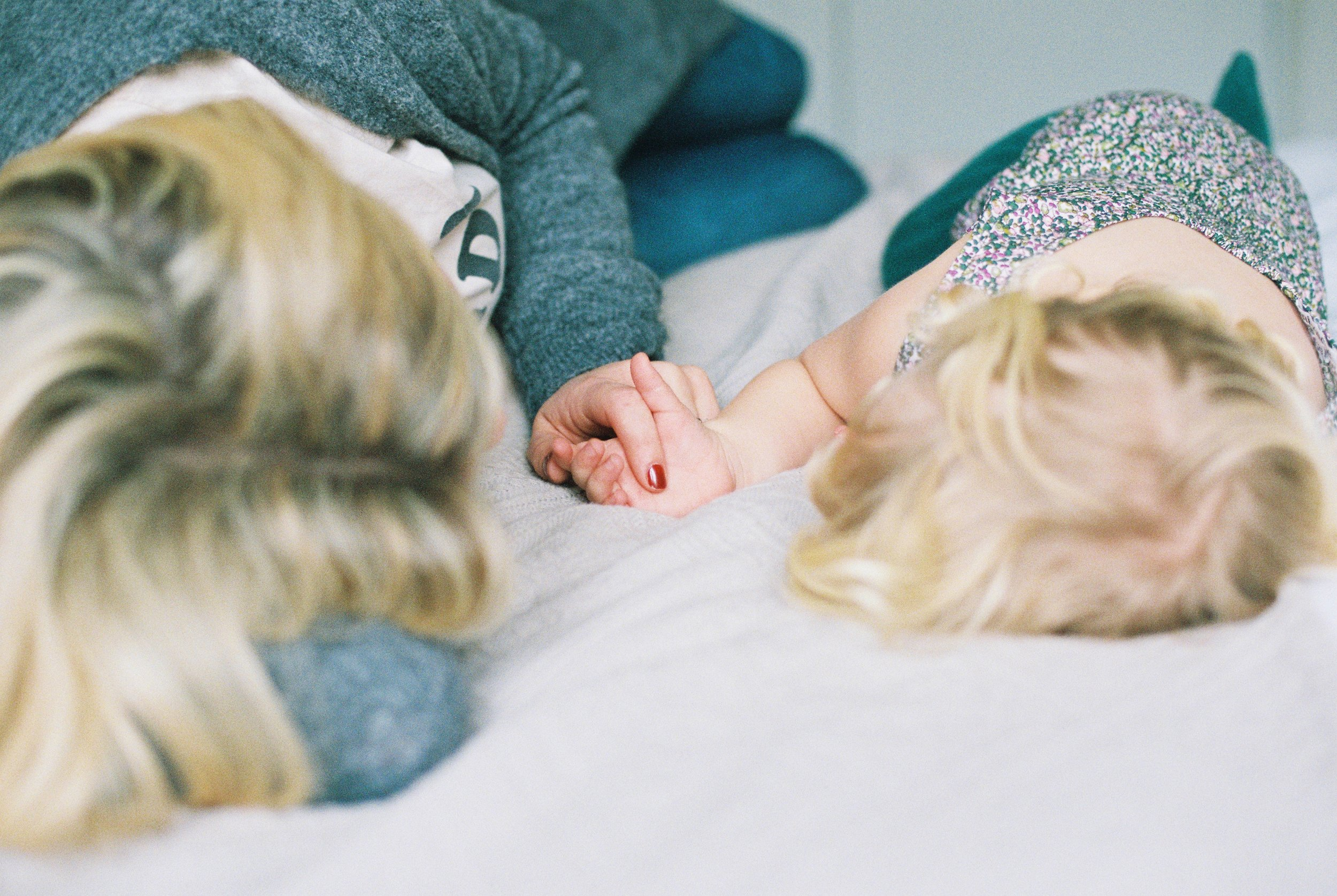 london_surrey_guildford_family_photographer_natural_light_emilywphotography.11.jpg