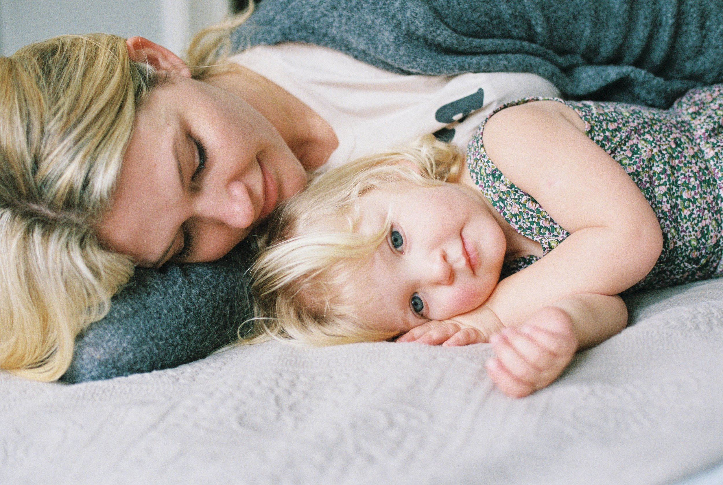 london_surrey_guildford_family_photographer_natural_light_emilywphotography.2.jpg
