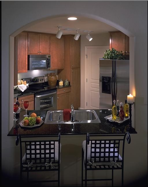 Kitchen with chairs 16.jpg