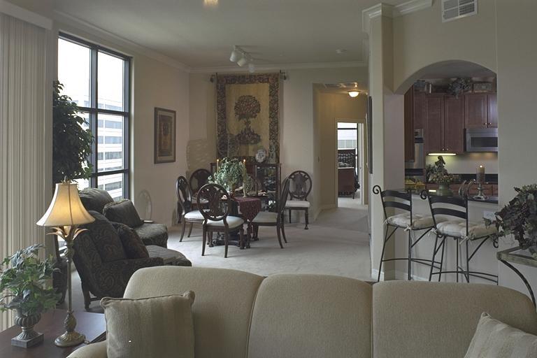 Penthouse Living & Dining Room 36.jpg