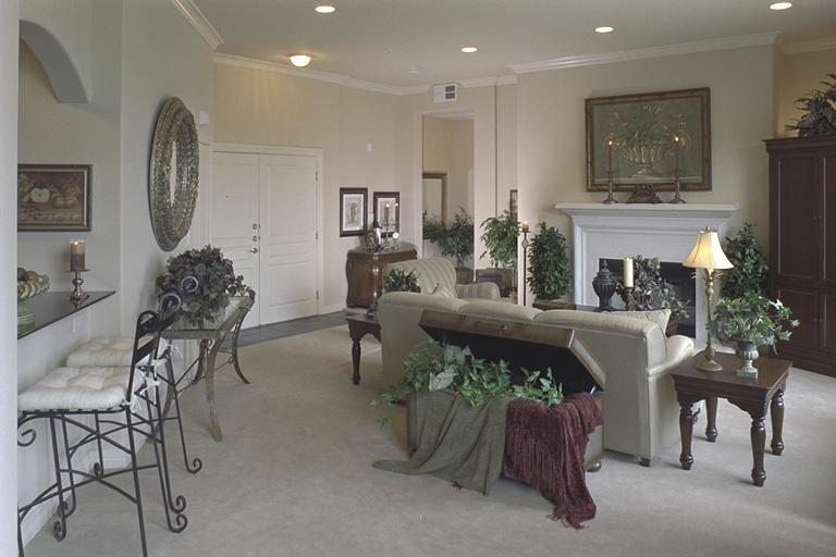 Penthouse Living Room 38.jpg