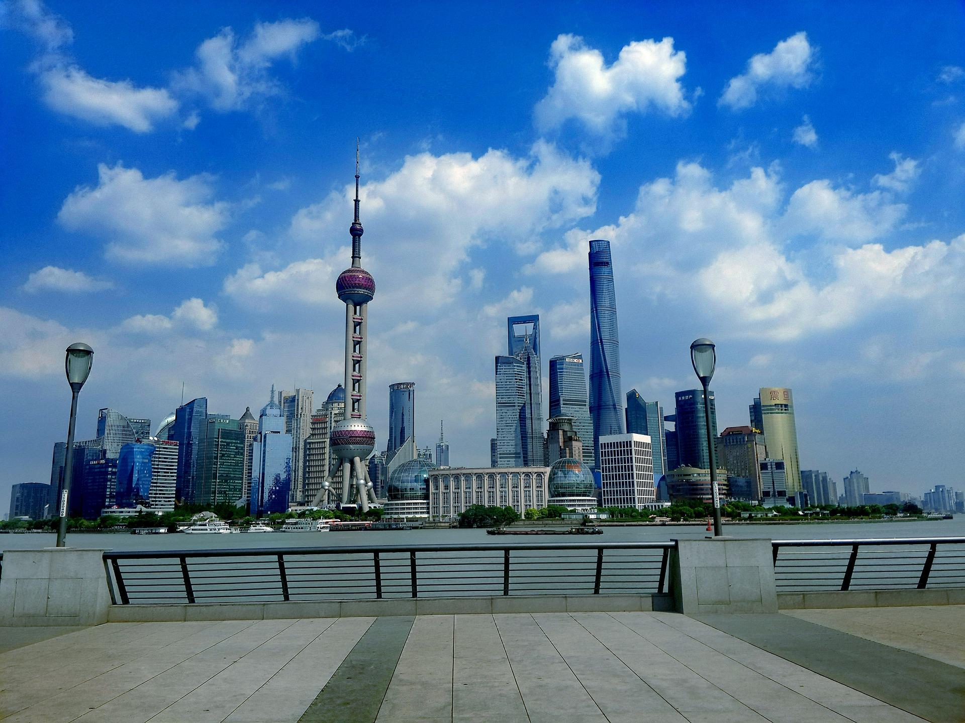 shanghai-bund-huangpu.jpg