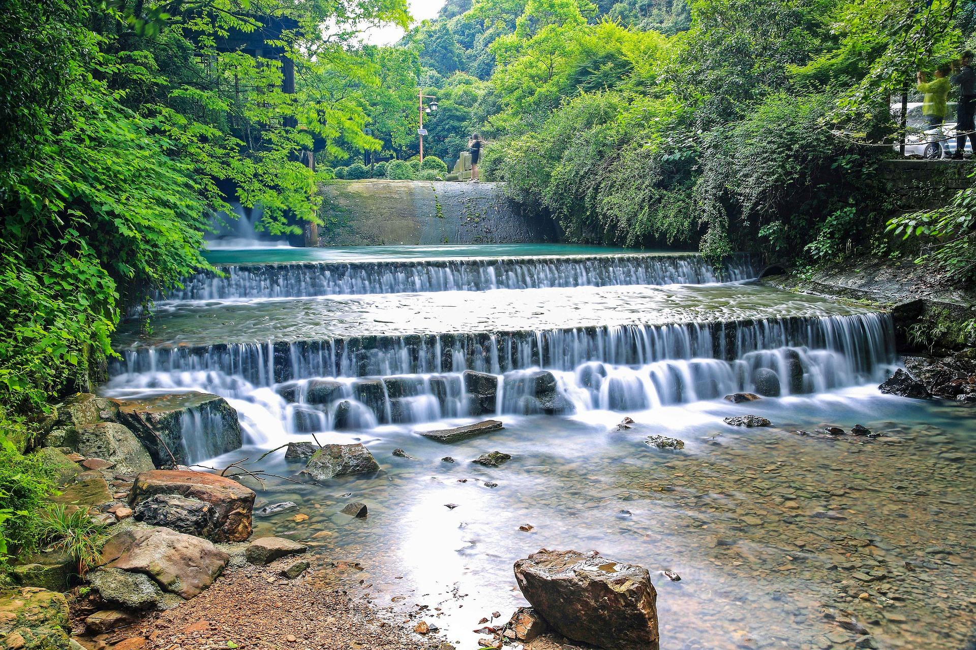 hangzhou-stream.jpg
