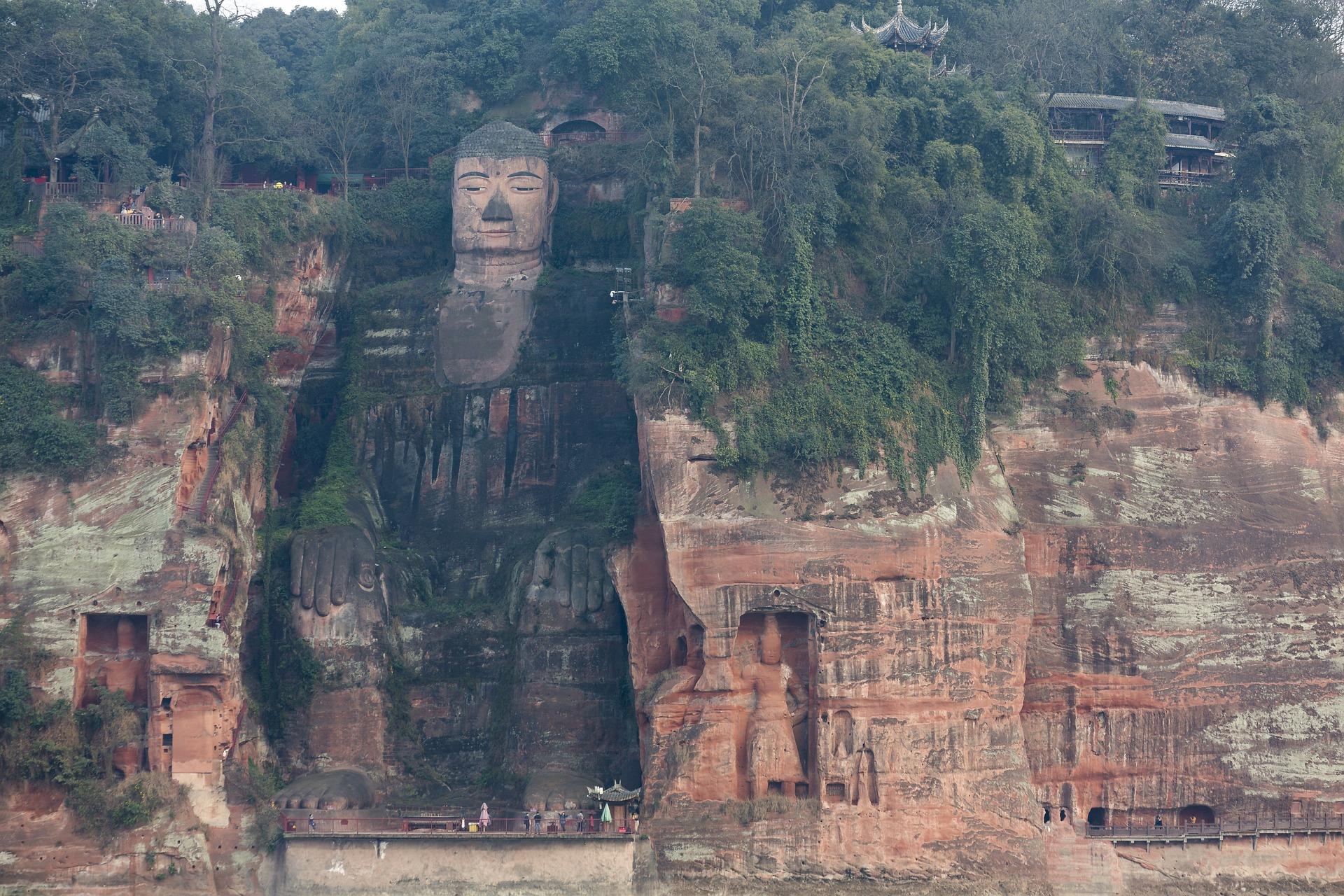 giant-buddha.jpg