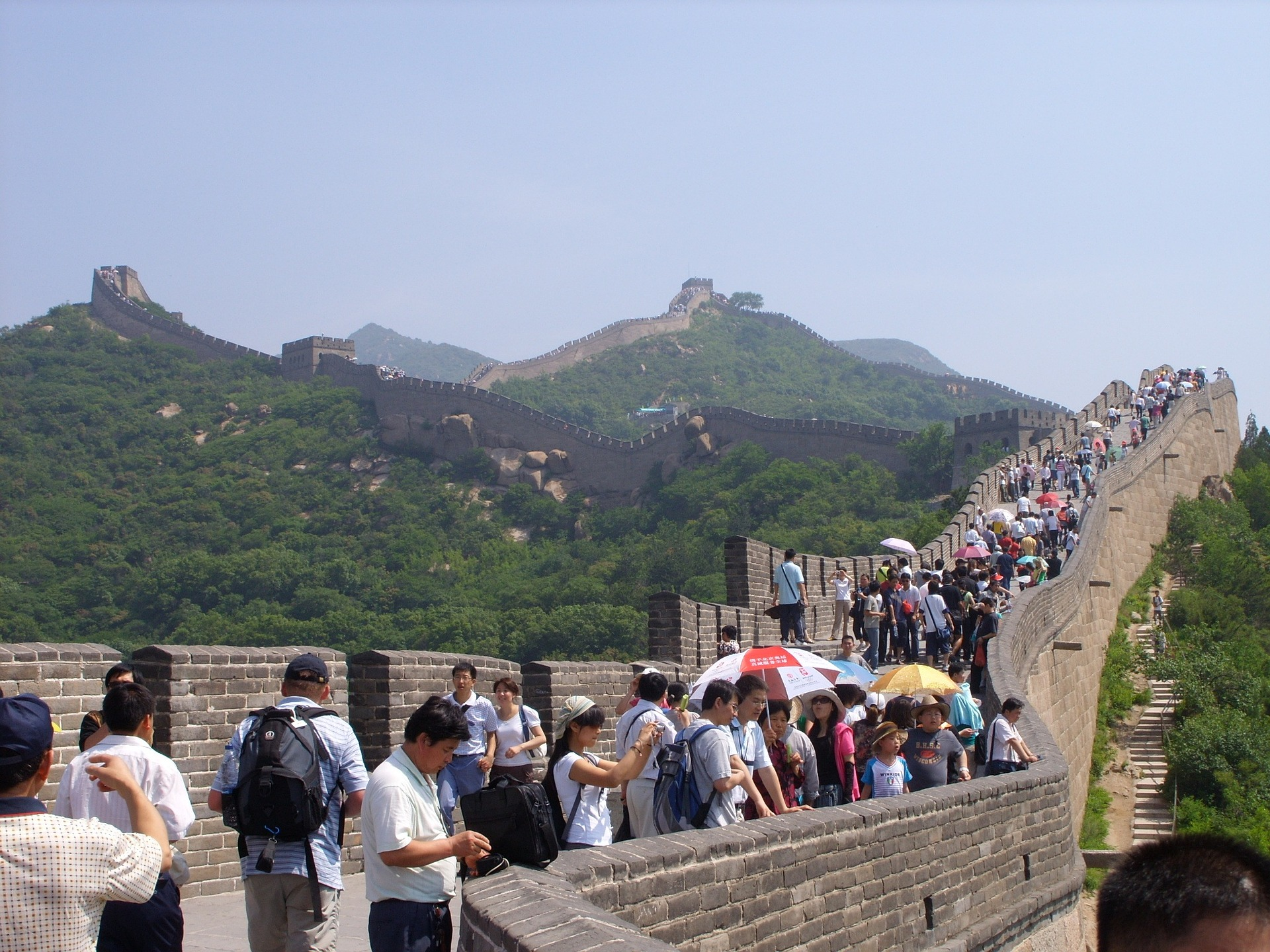 china-crowd-wall.jpg