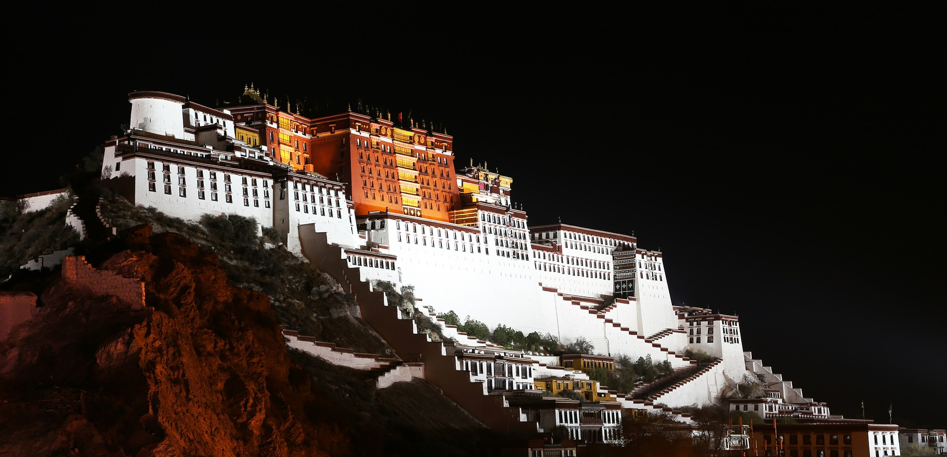 the-potala-palace-night.jpg