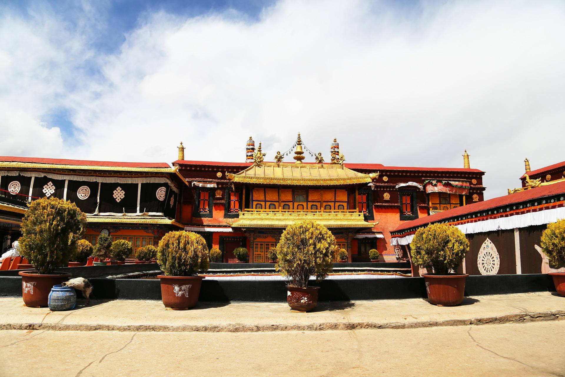 jokhang-temple0.jpg