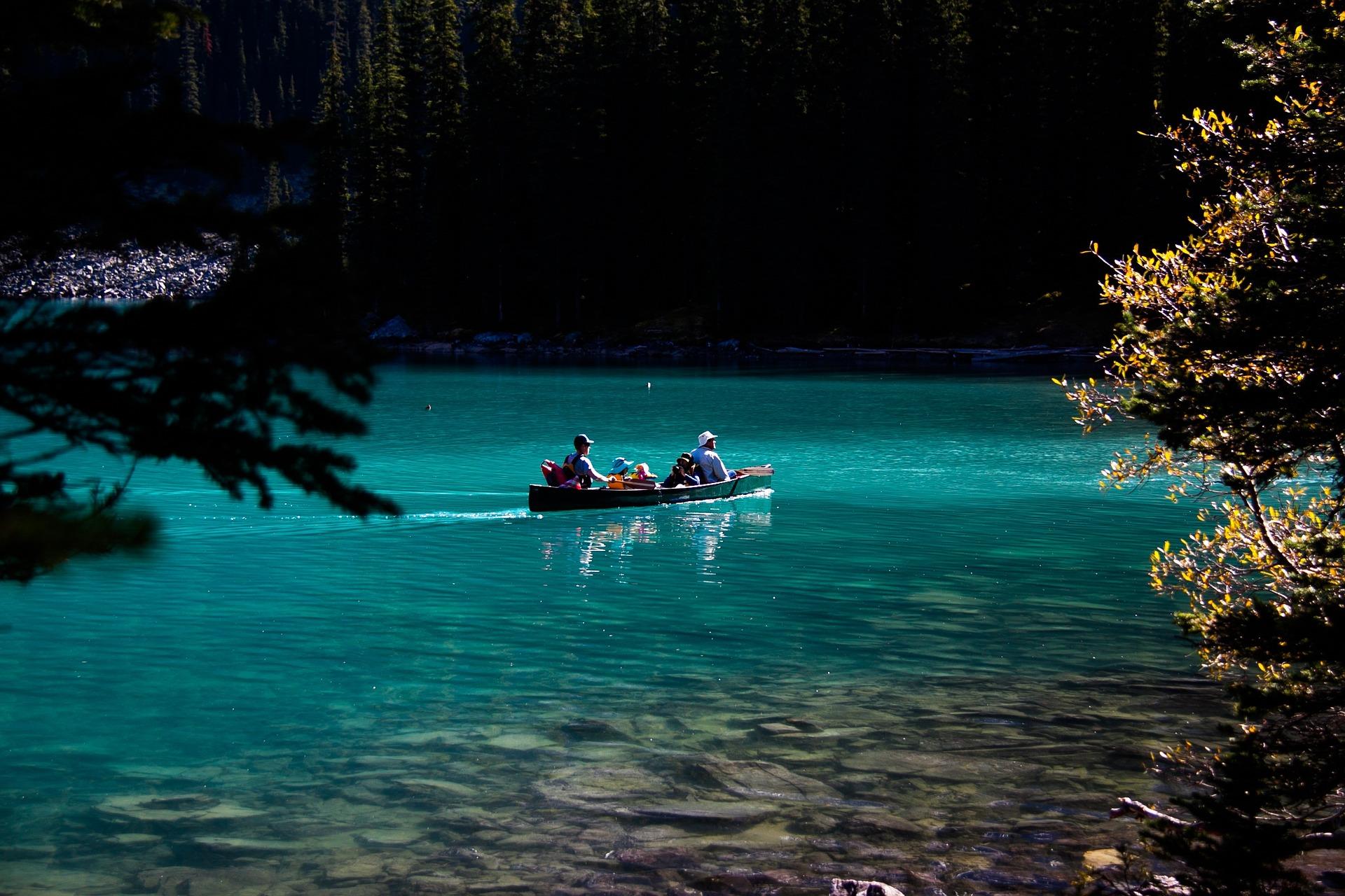 moraine-lake-canoe.jpg