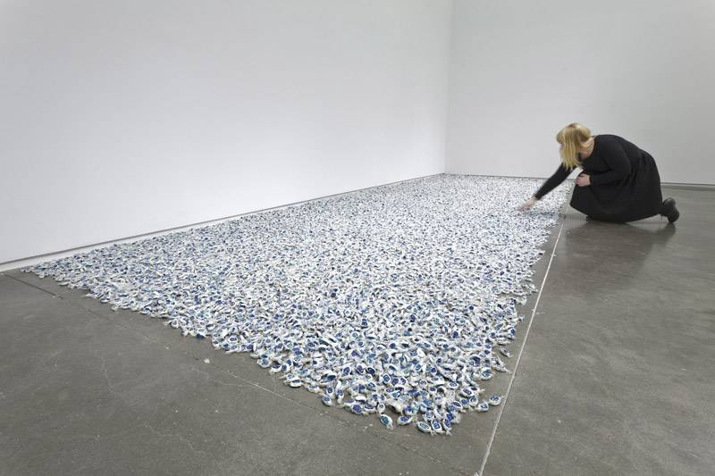 Felix Gonzalez-Torres, Untitled (Lover Boys) , 1991. Candies individually wrapped in clear wrapping, endless supply. Overall dimensions vary withinstallation. Ideal weight: 355 lbs. Courtesy of  Andrea Rosen Gallery , New York. © The Felix Gonzalez-Torres Foundation. Photo: Boston Phoenix.