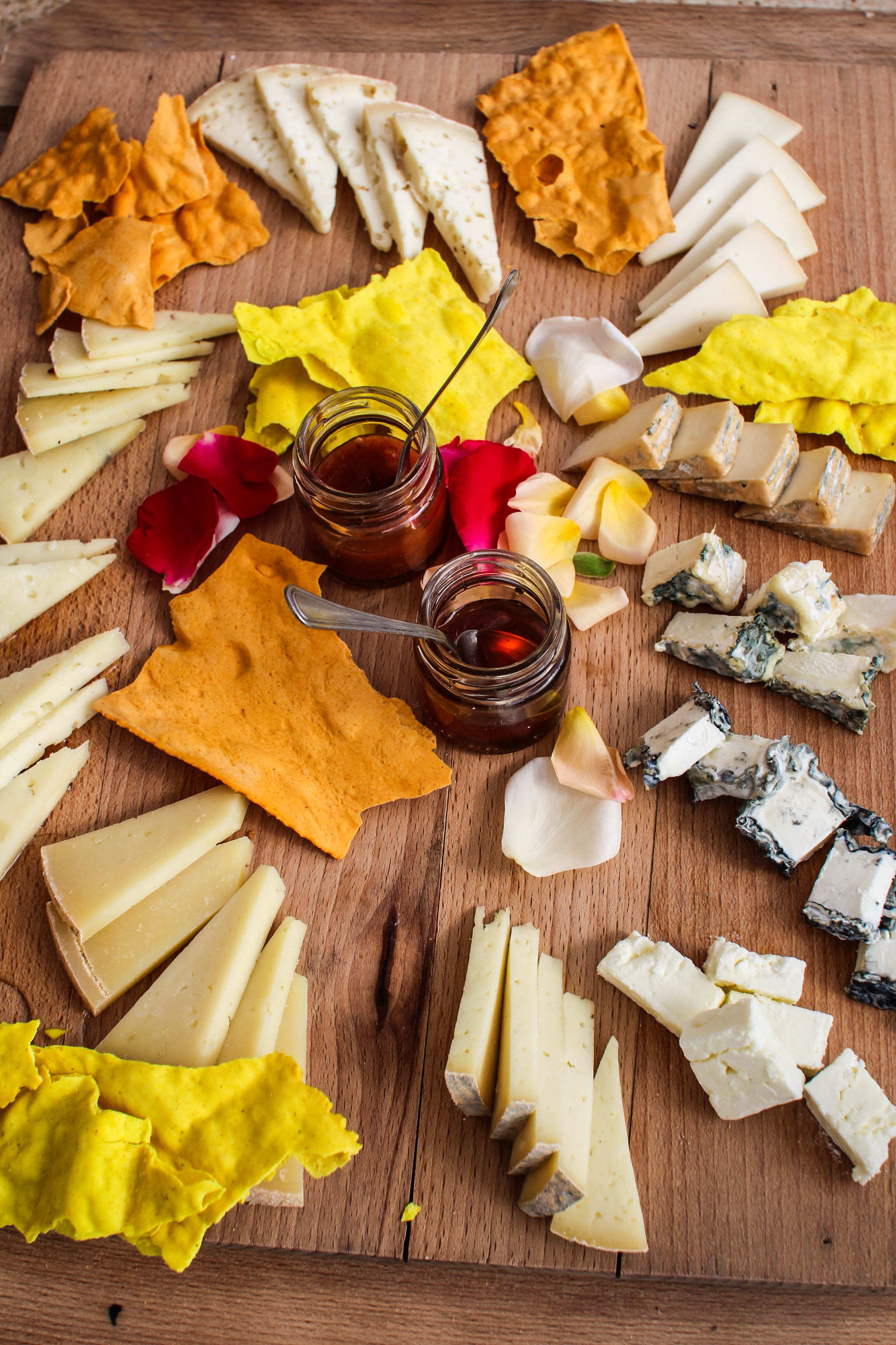 I could not wrap up this post without showing you our cheese platter from Podere Il Casale - AMAZING!