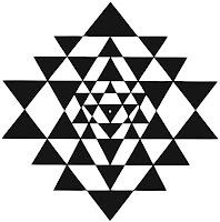 Sri%20Yantra%20Smooth%2013_5cm.jpg