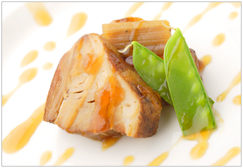 豚ばら肉の味噌風味煮込み(角煮)