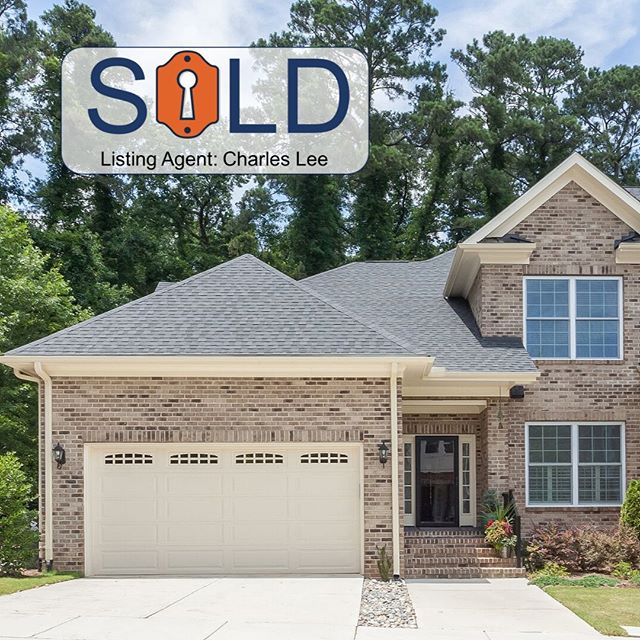 Congratulations to Charles Lee and his clients! • • 508 Valleyshire Rd, Durham | 3/2.5 | $540,000 • • #inhabitthetriangle #sold #durm #bullcity #sellingdurham #inhabitrealestate #CharlesLee