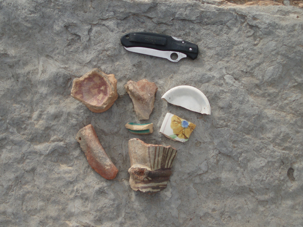 oman1_S_site1_sherds_knife.jpg