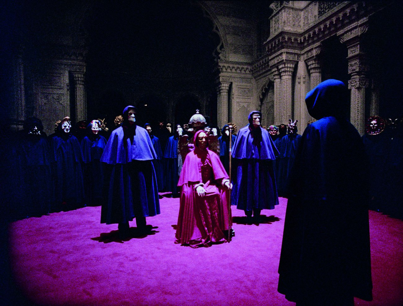 """Protagonist """"Bill Harford"""" is out of place at a mansion masquerade ball in  Eyes Wide Shut  (1999)"""