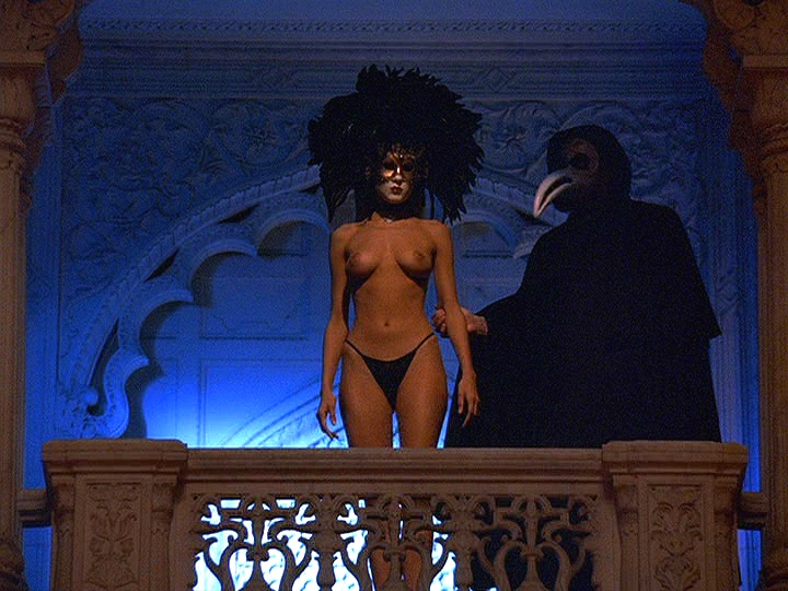 """The """"Mysterious Woman"""" & a masked stranger in Stanley Kubrick's  Eyes Wide Shut  (1999)"""