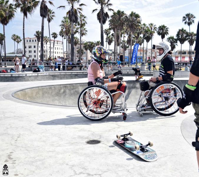 two skaters talking 2018 skate LLA.jpg