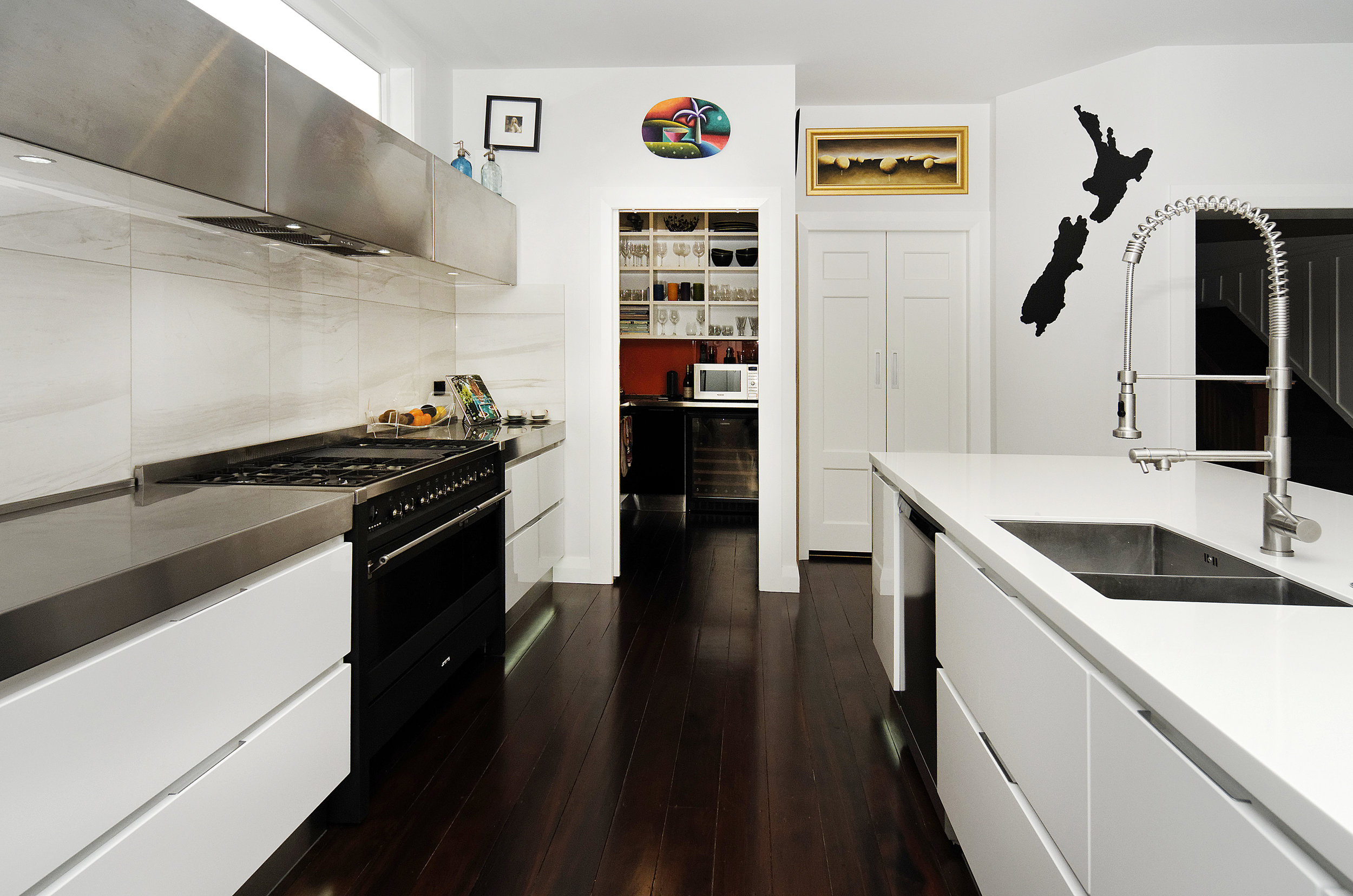 Bellevue Rd 1-kitchen -5p_DxO.jpg