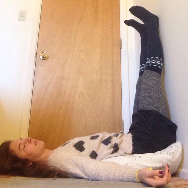 legsupthewallpose