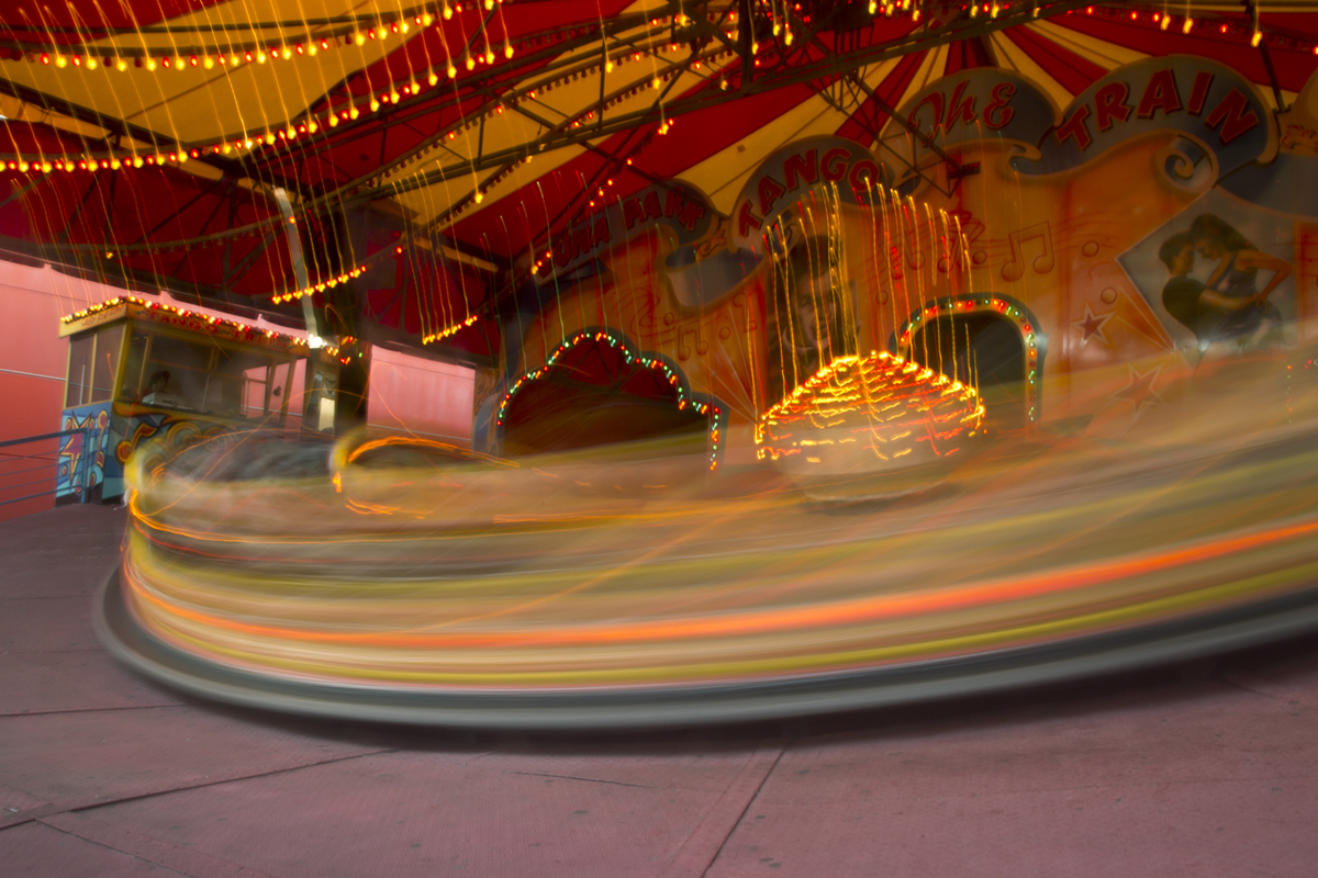 And in color as well. Feel like for this particular ride it accurately demonstrates how fast it's moving whereas on the others it didn't look so good since it wasn't an accurate representation of the speed of the ride. Case point: merry-go-round.