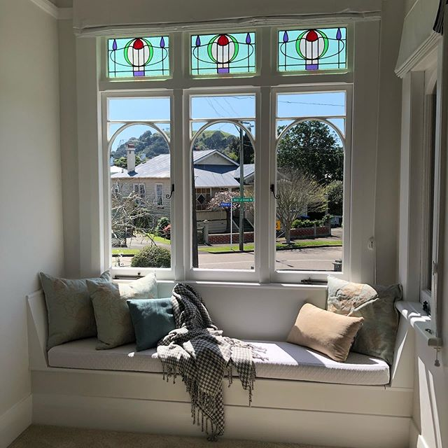 I love this window seat... and the view out my clients window to Mt Eden is so special ❤️❤️ #homemakeovers #interiordesign #windowseat #villa #lovewhatido #design #renovations #restoration