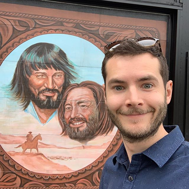 Waylon and Willie and the boys! My favorite street art in Portland. #waylonjennings #willienelson #streetart #portlandstreetart #mamasdontletyourbabiesgrowuptobecowboys