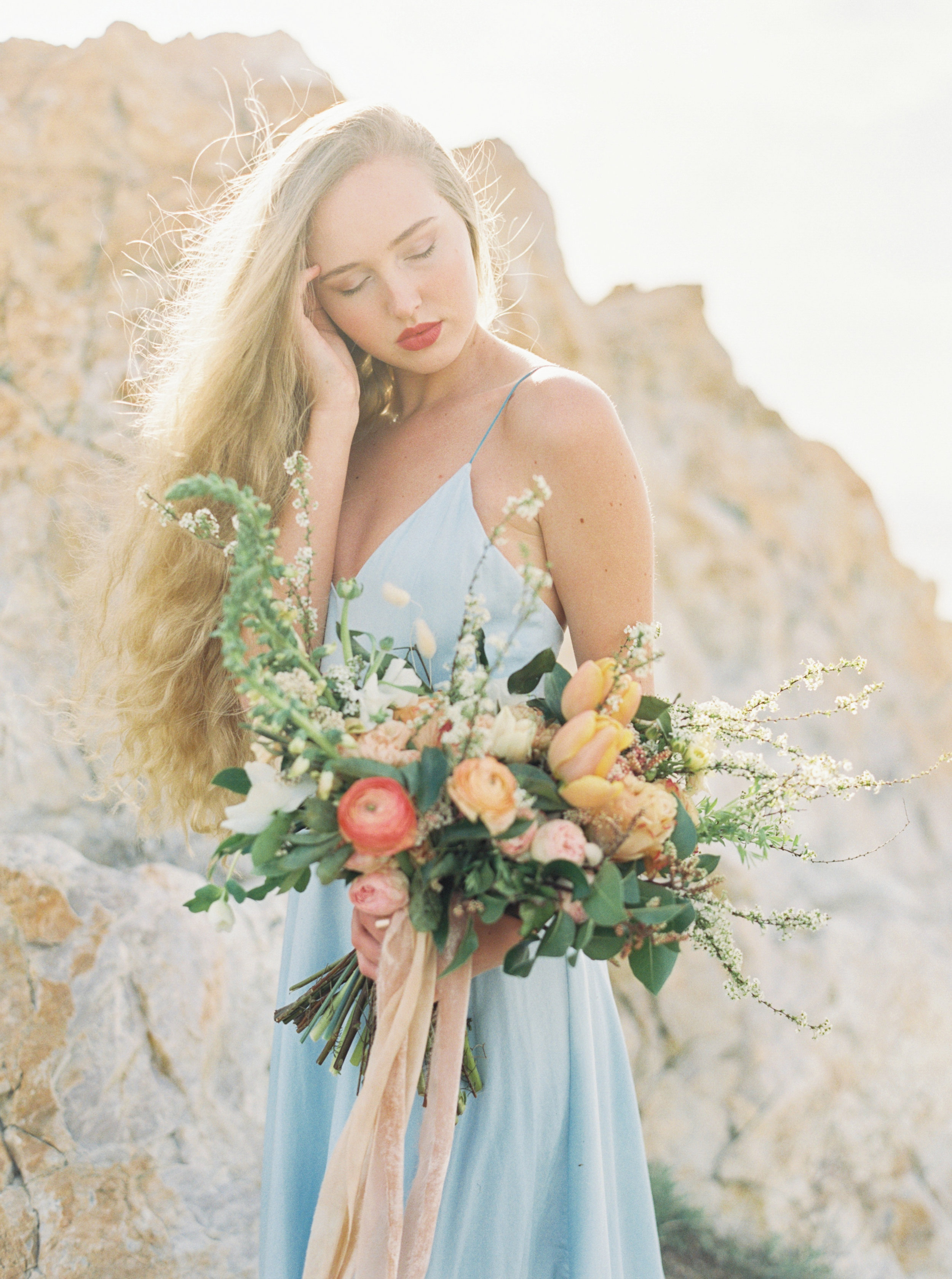Which Bridal Bouquet Size Is Right For Me Wedding Bridal