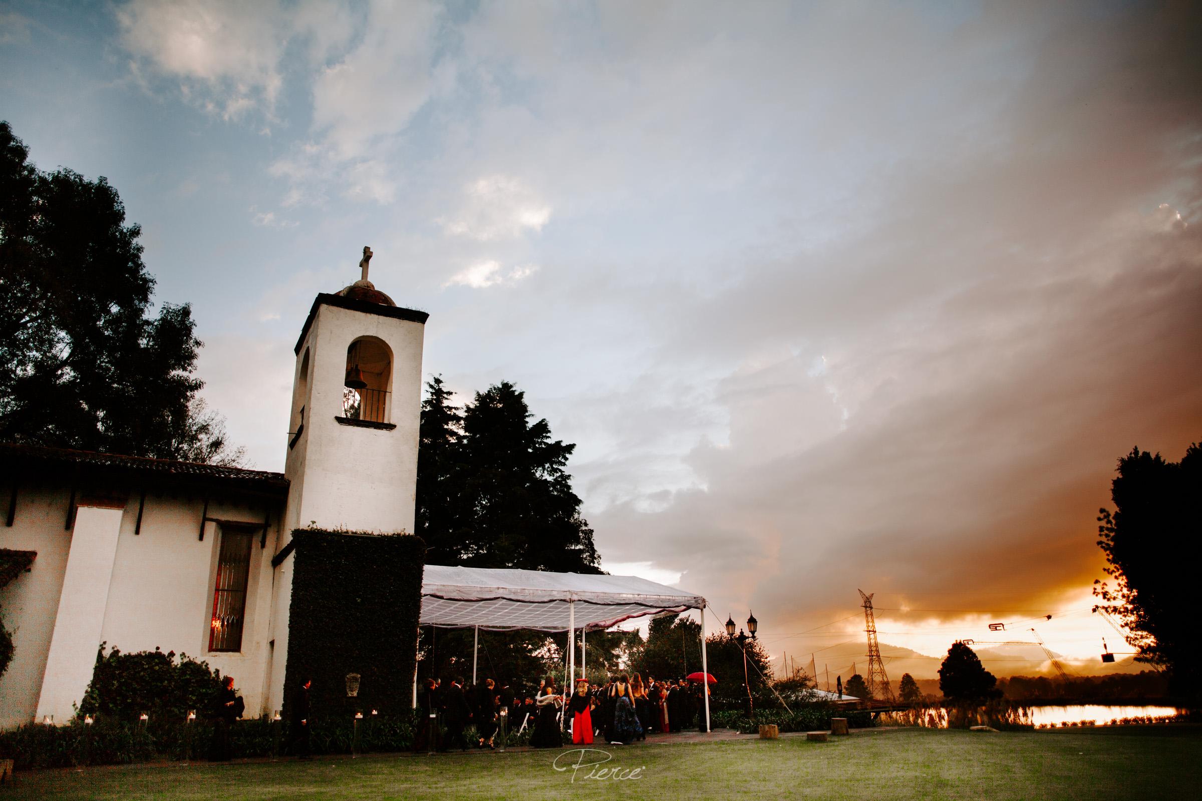 fotografia-de-boda-valle-de-bravo-mexico-rosmarino-pierce-weddings-0116.JPG