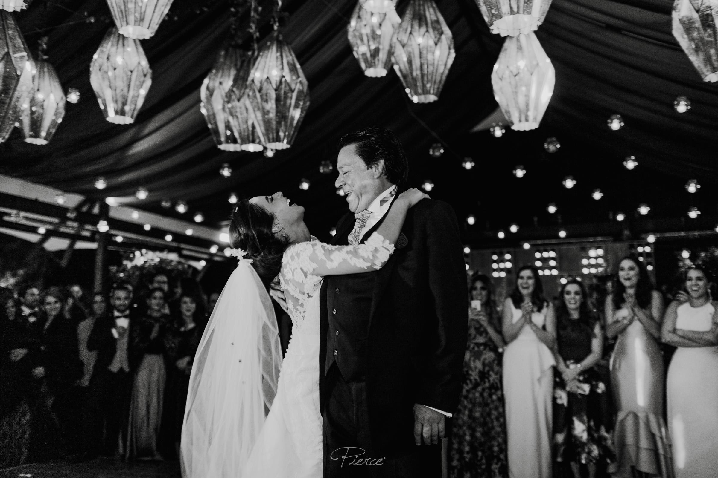 fotografia-de-boda-valle-de-bravo-mexico-rosmarino-pierce-weddings-0183.JPG
