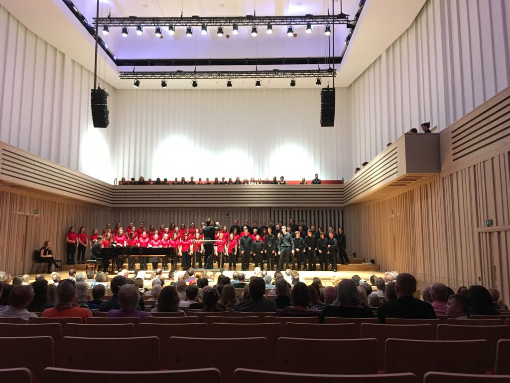 Halle Youth Choirs, Stoller Hall, August 2017.jpg