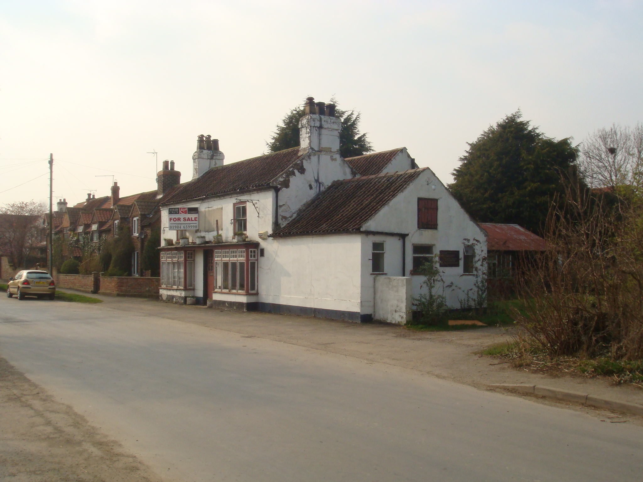 Neglected Pub Prior to Redevelopment within the Street Scene