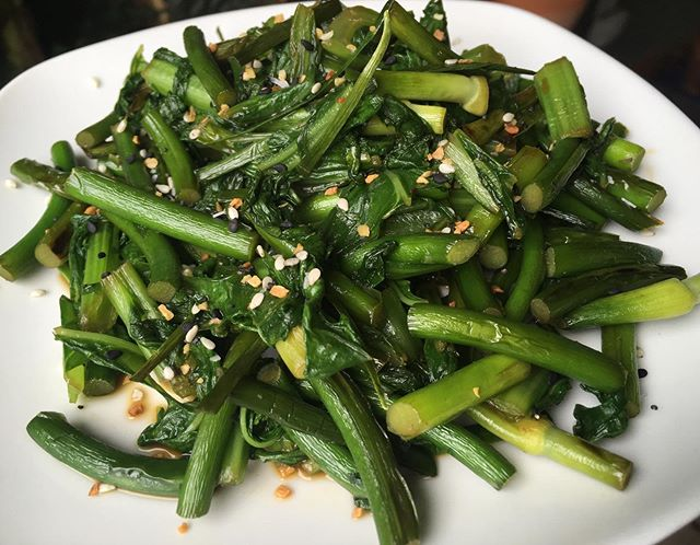 Garlic scapes & mustard greens for breakfast! Yummy! 😋🤤