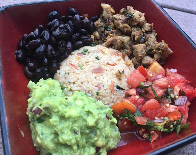 Burrito bowl for dinner tonight! Mexican food is very popular in our house. Made my own version of Mexican rice, pork tenderloin for meat, guacamole, salsa & black beans. It was delicious! 🤤😃😋 . . . . . #delish #namastedelish #nepalimom #organic #foodblog #food #foodie #yum #foodaddict #eatclean #instafood #foodlove #burritobowl #kitchen #healthy #homemade #eat #recipes #ilovecooking #delicious #tasty #instapicture