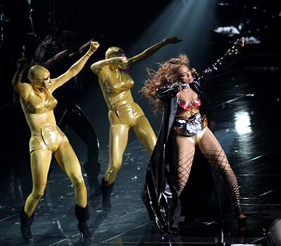 Beyonce-Thierry-Mugler-I-Am-Sasha-Fierce-Tour-2.jpg