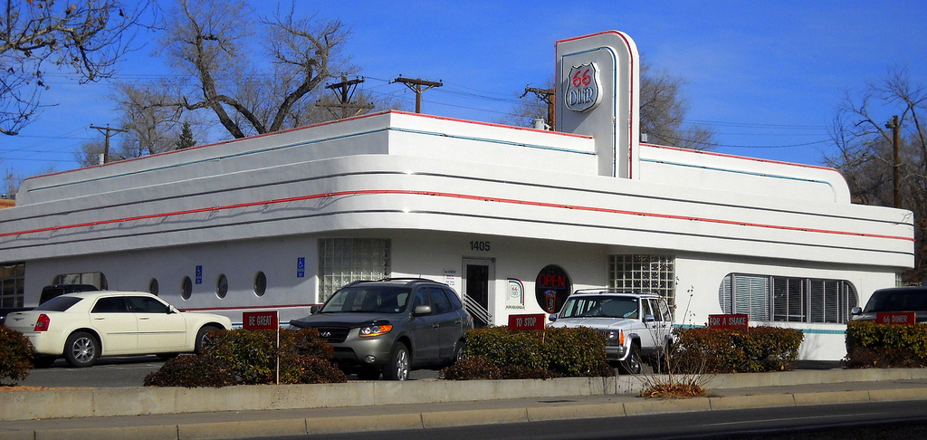 Streamline Moderne 66 Diner