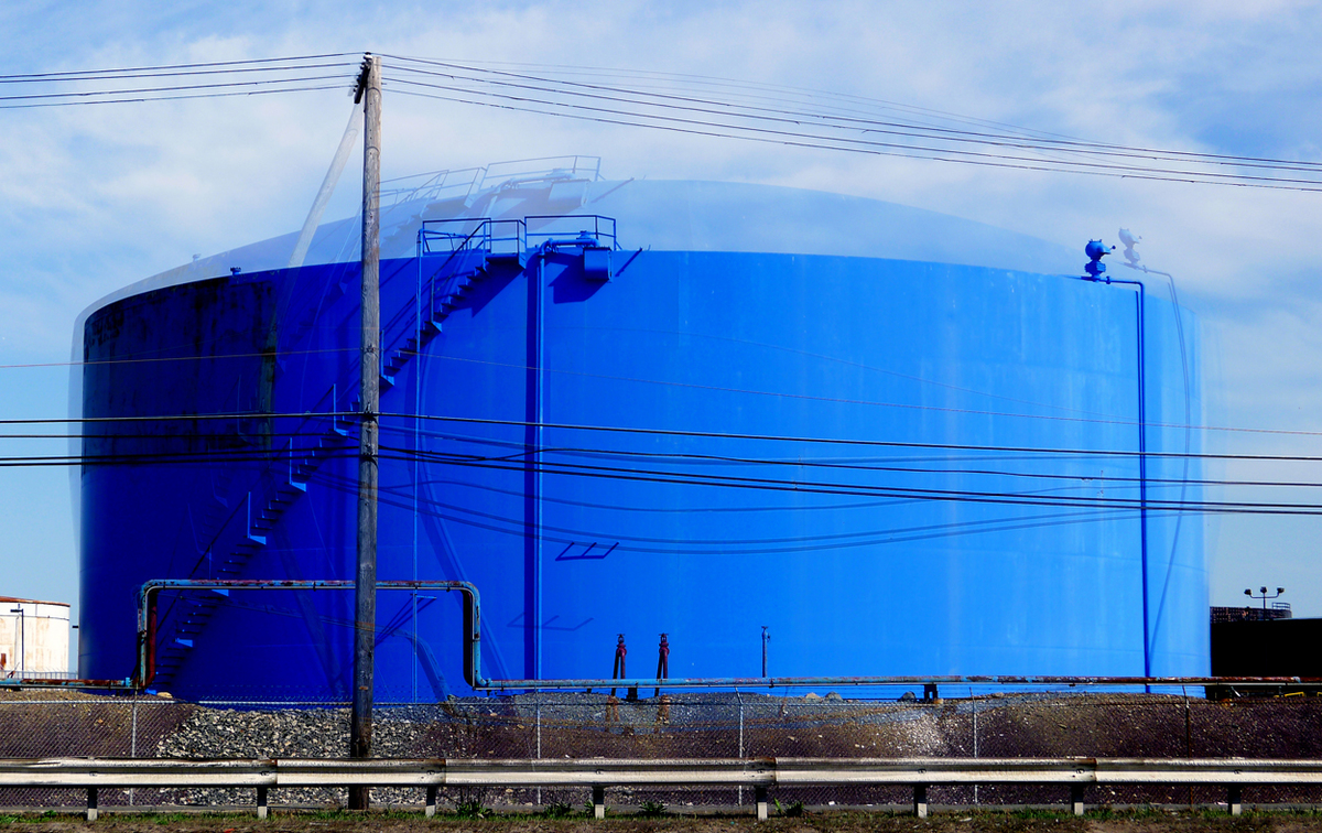 20120523023821-3._Blue_Tank_by_Peter_PIzzi.jpg