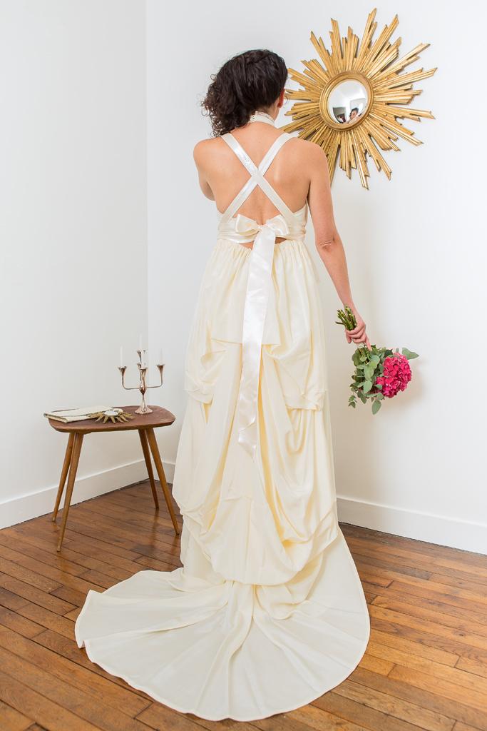 """Lucie Fouquet """"Jessica""""  Robe à traîne amovible en taffetas à mémoire de forme pour un style baroique et romantique"""