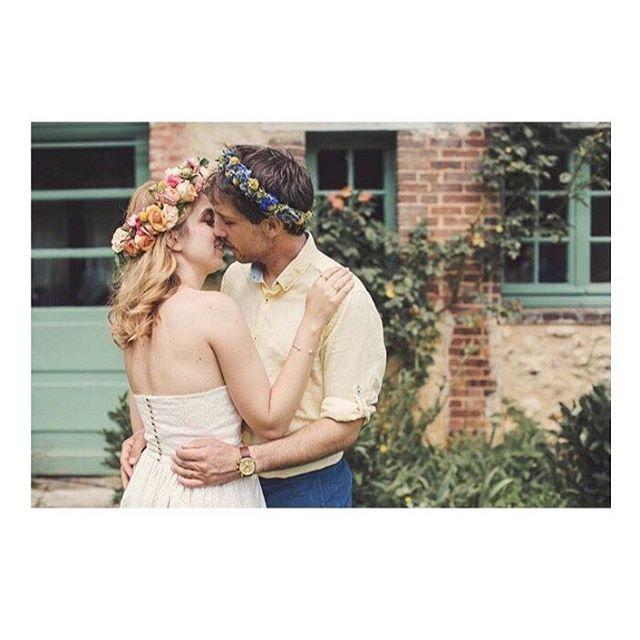 """Robe """"Nymphéa"""", je ne me lasse pas de ce joli dos nu et de ces petits boutons dorés✨ Merci à  @amelia_nymphea et @paul_nymphea pour leurs confiance. 🌸 @lusineapetales 📸 @anneclairebrun  #weddingdress #bespoke #madeinfrance  #shesaidyes #luciefouquet  #wedding #bridal #tailormade #surmesure #mariage #broderieanglaise #corail #il_etait_temps_a_et_p"""