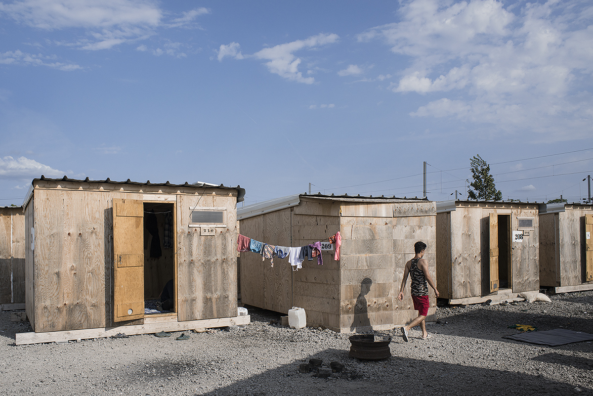 charlesdelcourt-refugee04.jpg