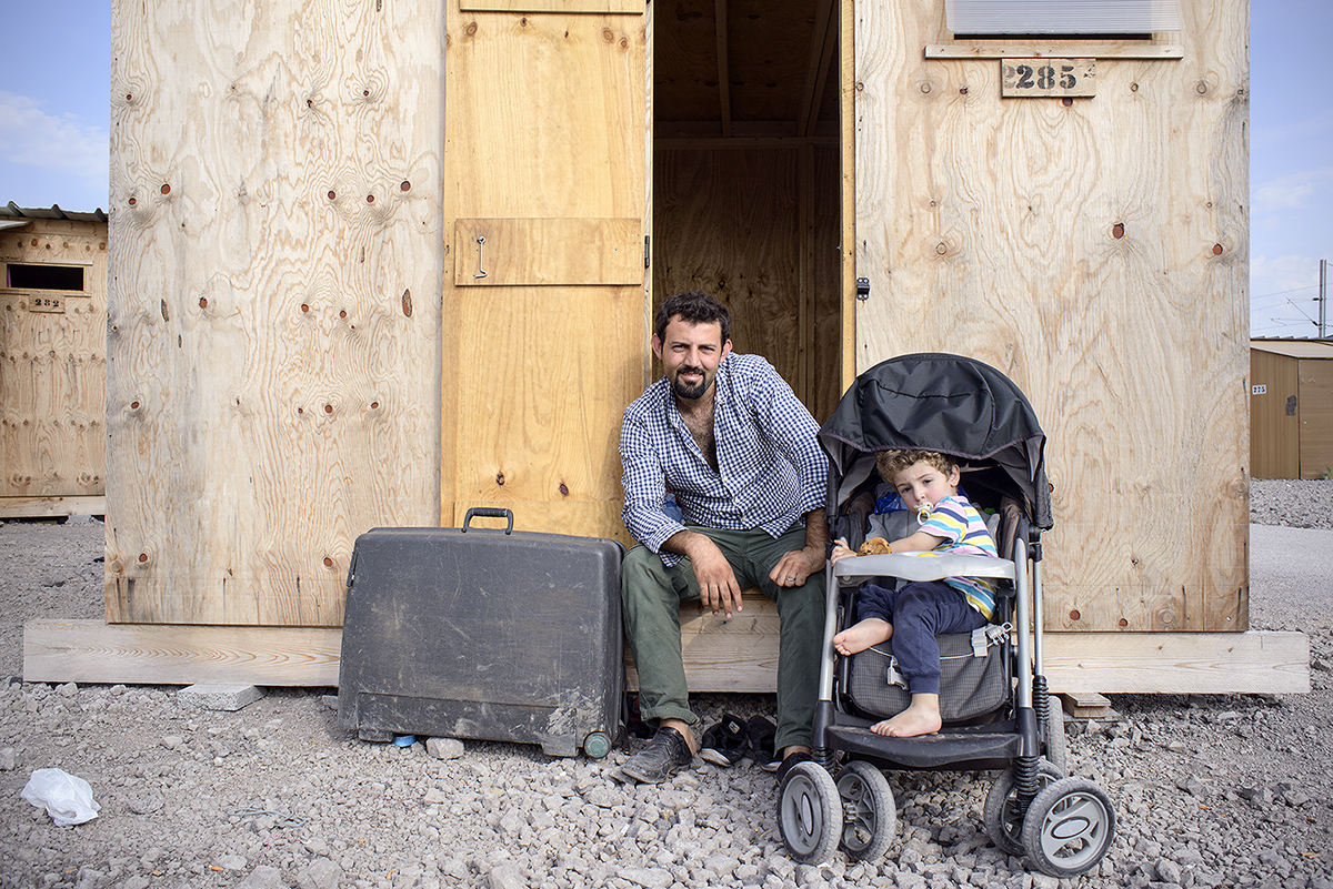 charlesdelcourt-refugee09.jpg