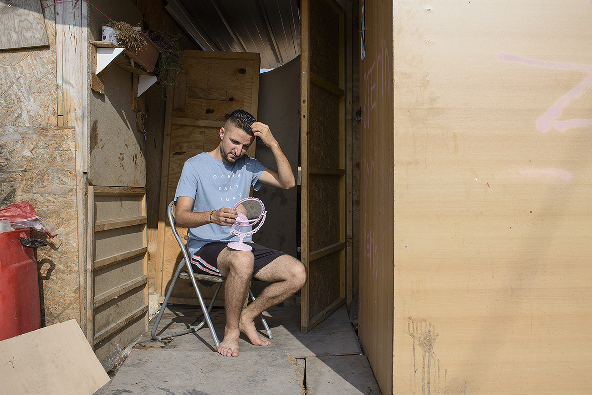 charlesdelcourt-refugee13.jpg