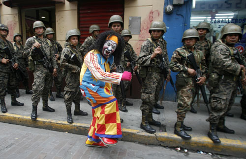 honduras-clown-500.jpg