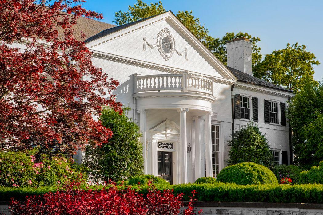21 Vista Drive, Greenwich, Connecticut